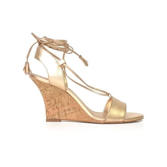 Lilly Pulitzer Shoes | New Gold Lace Up